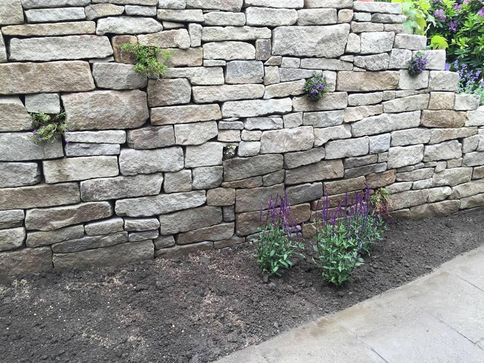 Mauer- und Zaunbau